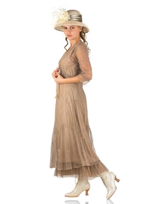 1950s Sophia Velvet Wiggle Dress in Burgundy
