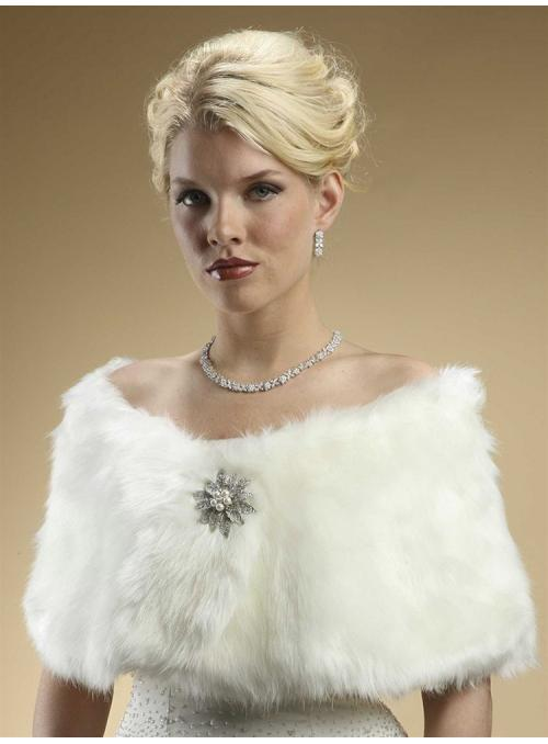 Faux Fur Bridal Wrap with Ivory Cream Fox