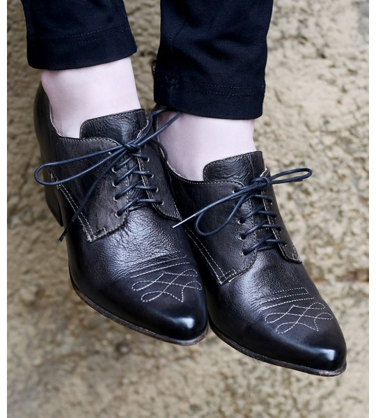 Braunstone Retro Style Leather-Wrapped Heels in Black by Oak Tree Farms